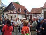 Einführung in die Wanderung durch Dr. Harald Tragelehn vor der ehemaligen Vogtsmühle