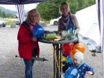 Luftballone mussten aufgeblasen werden - auch Anton half mit