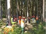 Gespannt lauschten alle den Erklärungen des erfahrenen Forstwirtschaftsmeisters